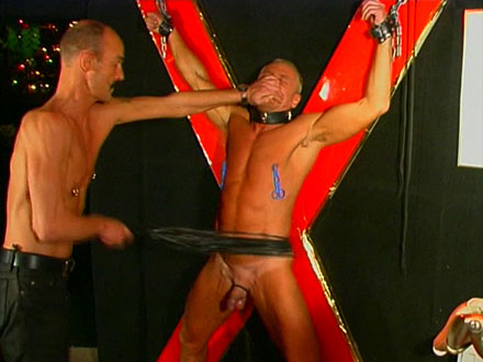 Ripped stud slave can take serious punishment